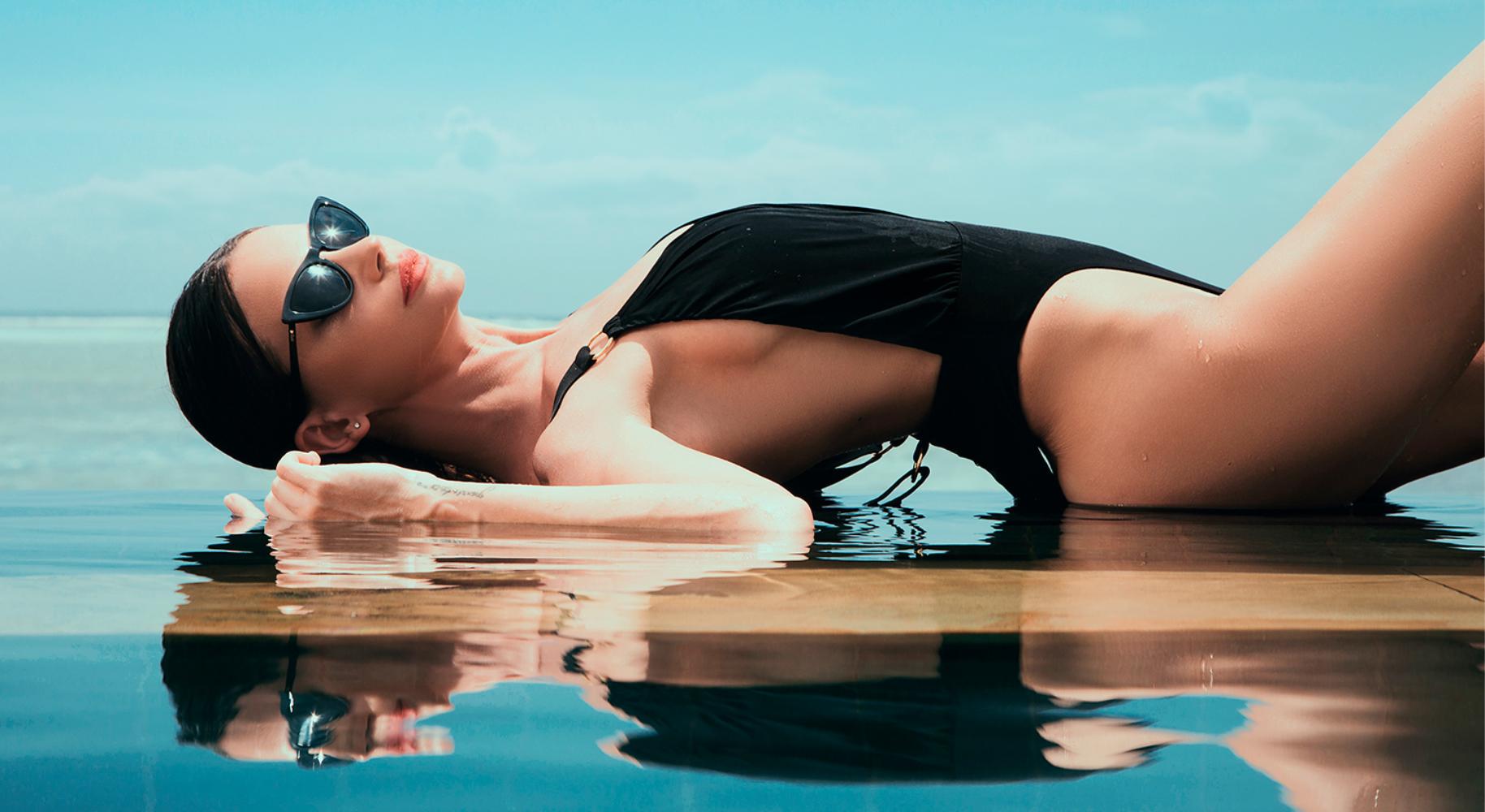 Диляна Попова с ексклузивна фотосесия на Малдивите за ZEISS VISION CENTER, Grand Optics & Joy Optics